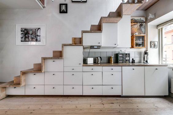 gầm cầu thang làm tủ bếp